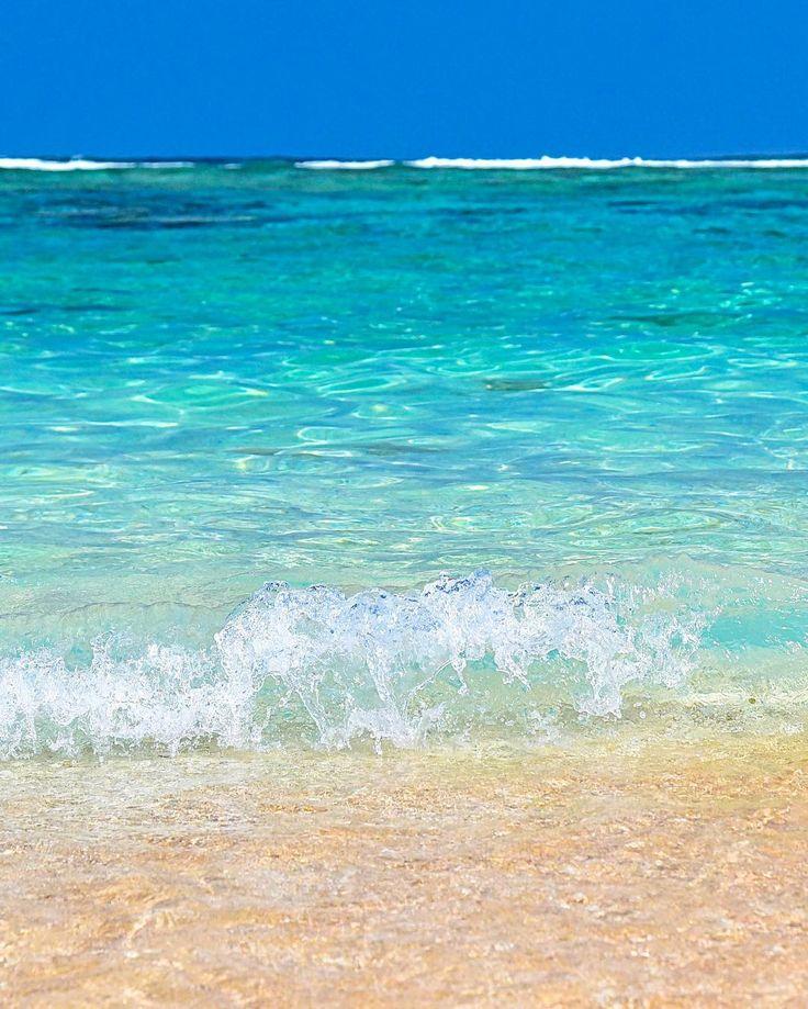 宮古島の吉野海岸 ゼリーみたいな海と波打ち際 たまらーん() by yama_ok5