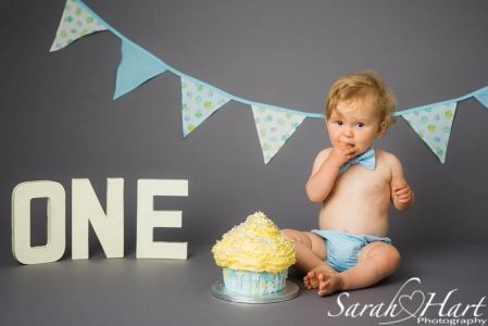 I AM ONE Cake Smash, Boy cake smash ideas, Kent Photographer, Sarah Hart Photography
