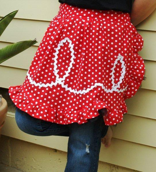 TUTORIAL: Retro Ric Rac Apron sewing pattern » Flamingo Toes