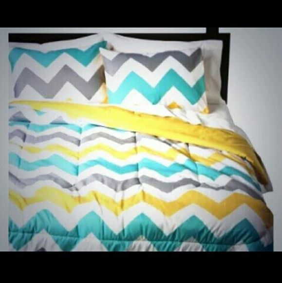 Chevron comforter! Blue, yellow, gray, and white Chevron comforter. Used for less than 3 months. No stains or rips. Great condition! Make offers! Other