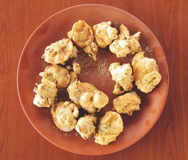 Förrätt Indisk afton lördag v 46. Pakhoras är indiska snacks som vanligtvis serveras till te. Pakhoras går även utmärkt att serveras som öl- och drinktilltugg. Kryddningen varieras efter smak.