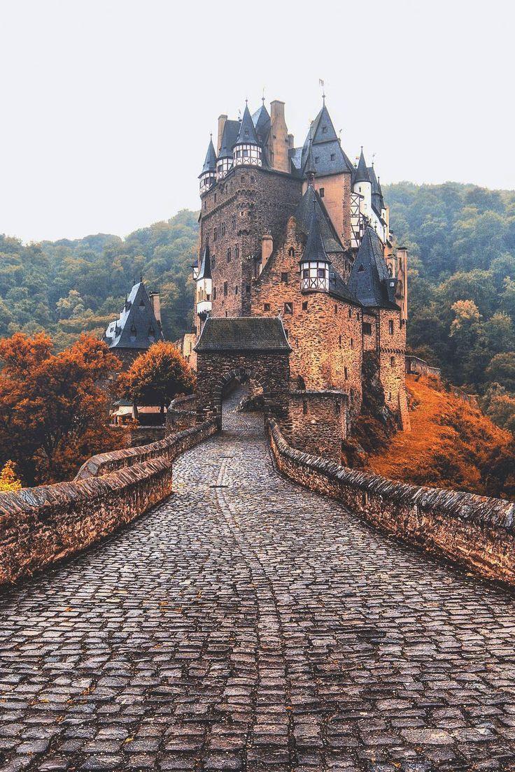 banshy: Eltz Castle // Jacob Riglin
