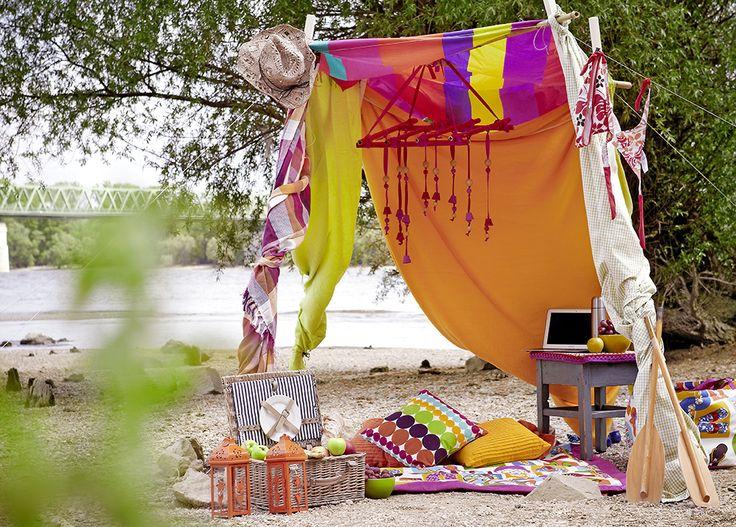 Outdoor Living Room // Summer in the City // Nappali a vízparton // rom Éva Magazine, August 2012. Styling by Kata Szentgyörgyi, photo by Kristóf Galgóczy Németh