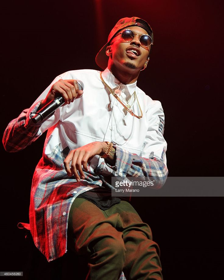 August Alsina performs at American Airlines Arena on December 13, 2014 in Miami, Florida.