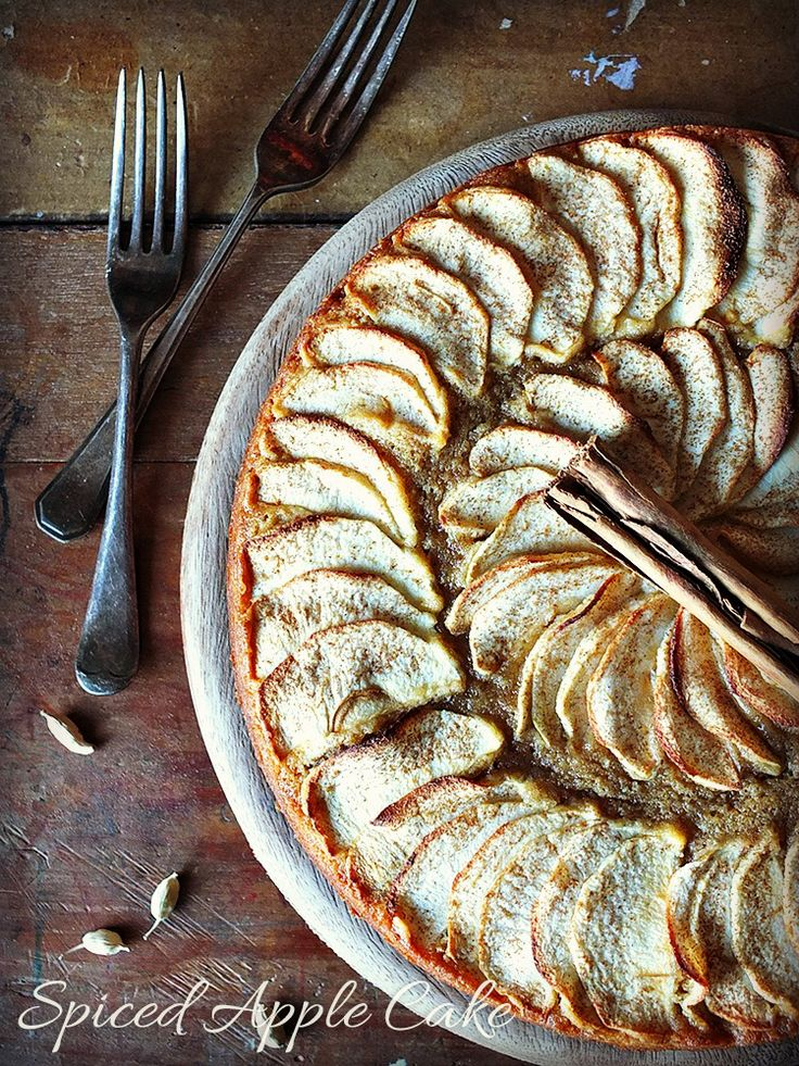 Spiced Apple Cake - freshly ground spices make this the perfect Autumnal afternoon treat with a cuppa.