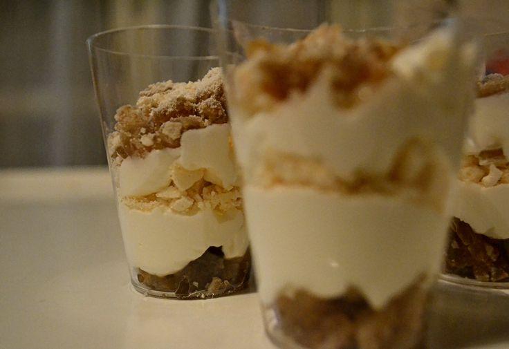 """Se avete voglia di un dessert dolce e veloce da realizzare, questi """"Mont Blanc"""" in biecchierini sono perfetti ;)"""