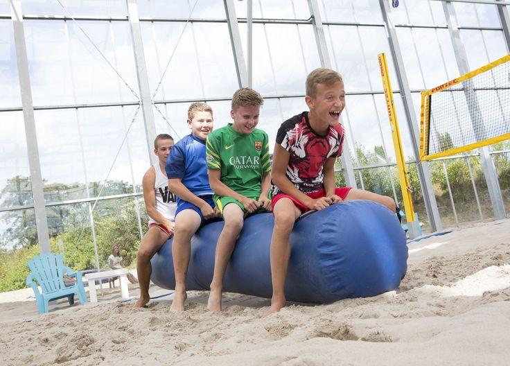 Leuke indoor activiteiten in ons indoor strand - Stoetenslagh