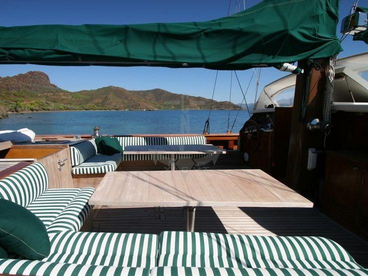 VONGOLE | CNL Yacht