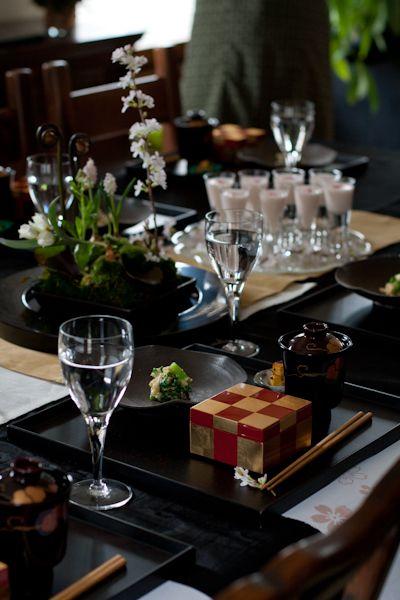 季節のお料理とテーブルコーディネイトのお教室「季節の記憶」、3月のテーマは「桜」。  今回はまずは、小さなお庭作りから。 彼岸桜に原種のチューリップ...