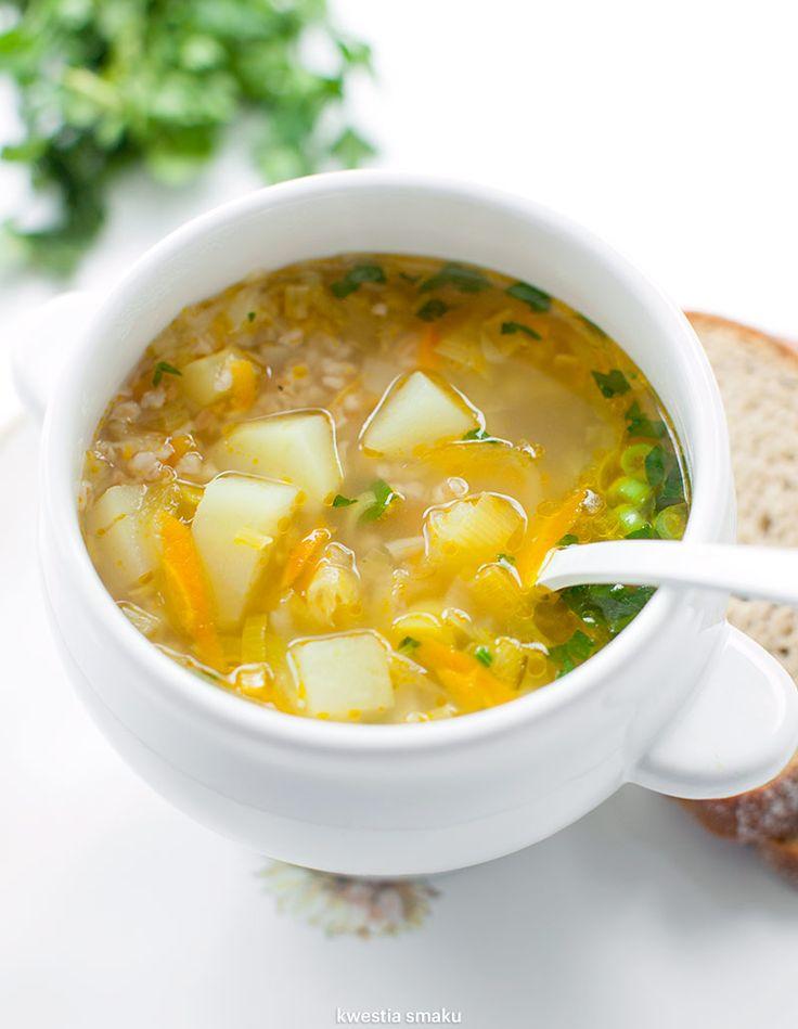 Zupa ogórkowa z kaszą