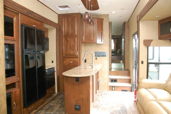 Kitsmiller RV Superstore | 2014 Elevation 3840 by Crossroads Toy Hauler Fifth Wheel http://kitsmillerrv.com/inventory/details/455/2014-crossroads-