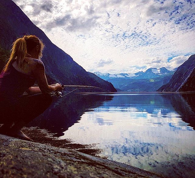 #fishing #outdoors #visitnorway #mountain #fjordnorway #norway2day #landscape #travel #norge #norsknatur #fjord #fiske #activelife #outdoorliving #friluftsliv #bestoftheday #naturelovers