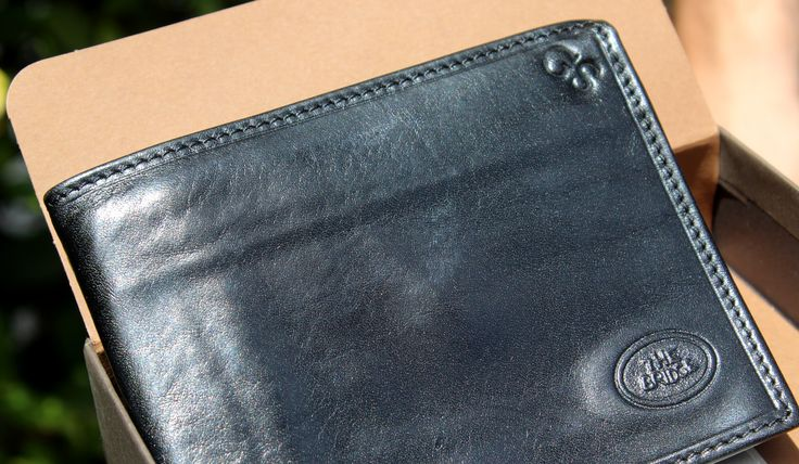 #thebridge #thebridgeartisanworkshop #artisan #fashion #elegance #glamour #scaliagroup #leather #bags #handbags
