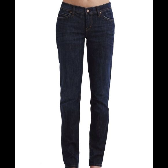 """Citizens of Humanity jeans Size 27  Citizens of Humanity low rise straight leg jeans - Size 27, 32"""" inseam - excellent condition! Great with boots, heels, or flats. 98% cotton, 2% elastane giving you just the right amount of stretch.  Citizens of Humanity Jeans Straight Leg"""