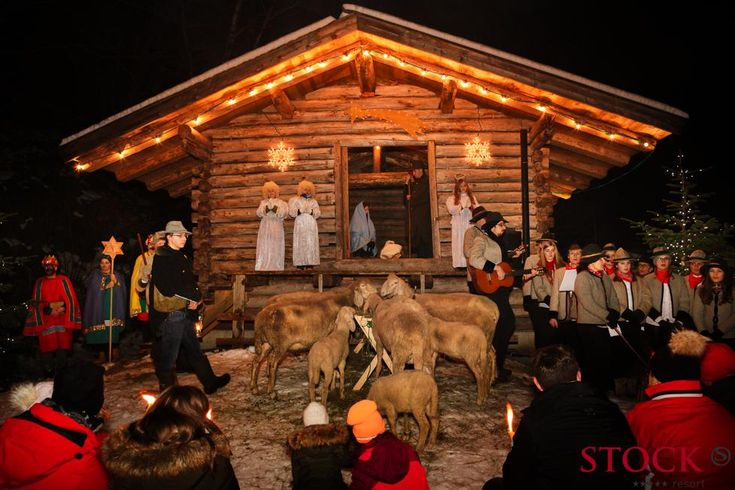 Christmas theater at STOCK resort, Tyrol, Austria / www.stock.at / #christmas #holidays #angels