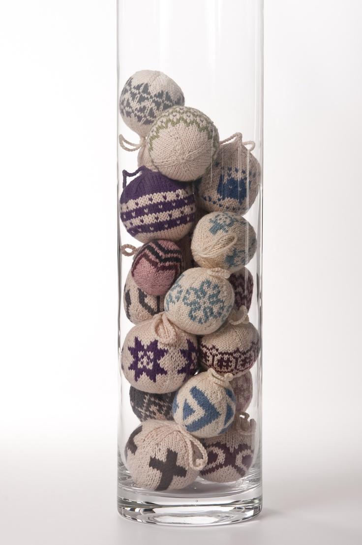 55 bolas de Navidad para tejer adornos festivos coloridos Arne Nerjordet, Carlos Zachrison ()