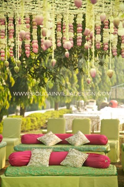 Bougainvilla Design Delhi - Review & Info - Wed Me Good- click for details #mintandpink #mintdecor #mehendidecor