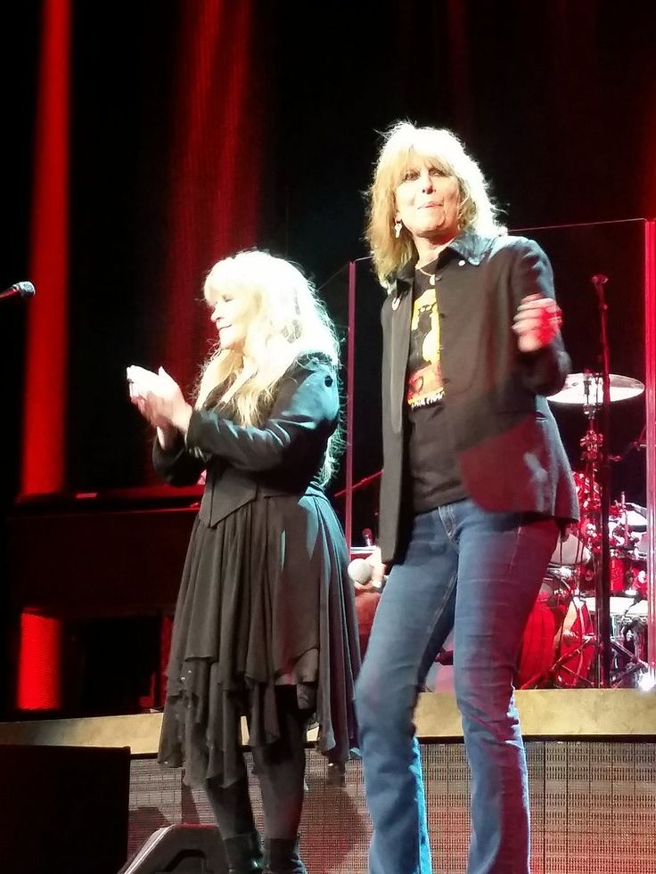 Stevie  ~  ☆♥❤♥☆  ~ and Chrissie Hynde rocking the stage in Phoenix, October 25th, 2016, while touring ~ her '24 Karat Gold' Tour, Phoenix, Arizona