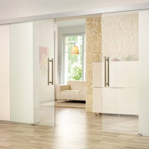 Komplett transparent oder lieber eine satinierte Oberfläche? Für weitere Inspiration stöbern Sie doch einmal durch unseren Glastürkatalog: http://www.huga.de/glastueren/form/ http://www.huga.de/glastueren/linie/