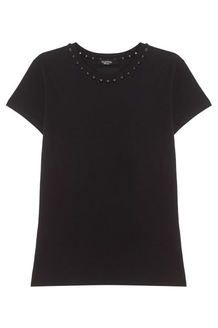 Хлопковая футболка Valentino - Хлопковая футболка черного цвета декорирована заклепками по линии выреза в интернет-магазине модной дизайнерской и брендовой одежды