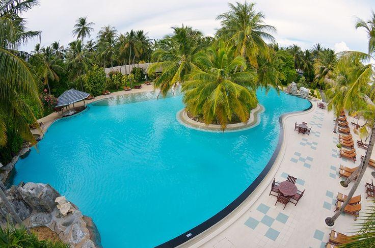 Sun island infinity pool,  for more details visit www.voyagewave.com
