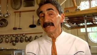 Tradiciones -Tu Cocina (Yuri de Gortari) - Pan de muerto - YouTube