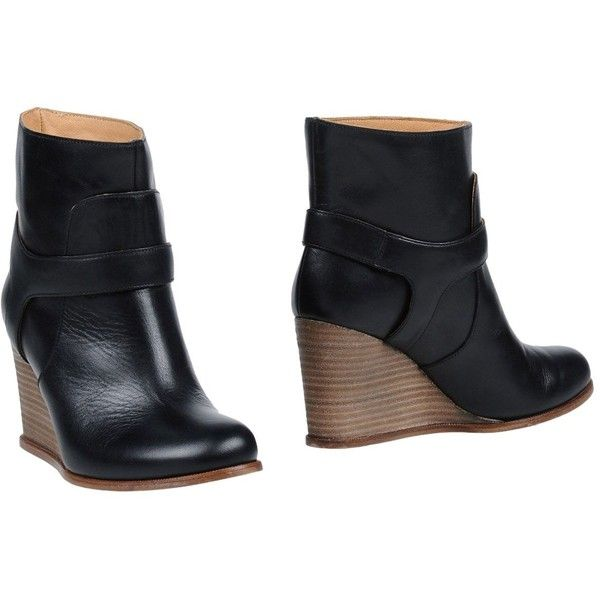 Mm6 Maison Margiela Ankle Boots ($282) ❤ liked on Polyvore featuring shoes, boots, ankle booties, black, black ankle bootie, black bootie boots, black wedge boots, black ankle boots and wedge ankle booties