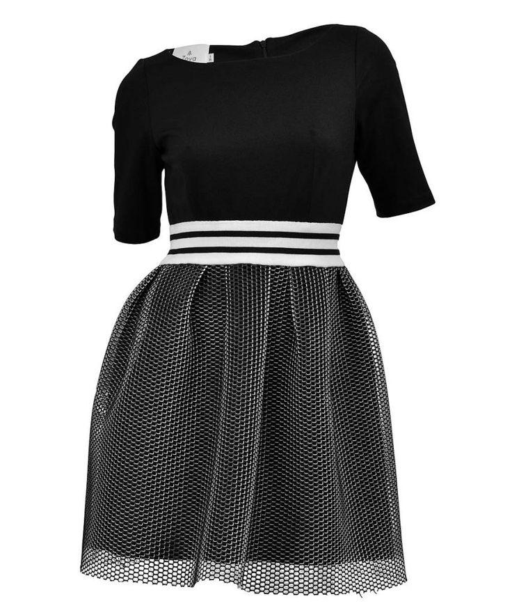 http://www.revolves.gr/shop/zoya-φόρεμα-μαύρο-5061/