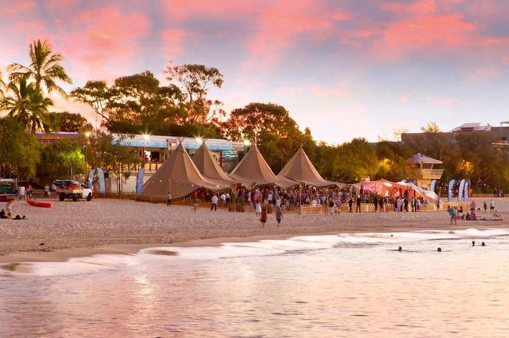 Take me back.. Noosa Food & Wine Festival pic via Paul Smith Images. www.tinystyle.com.au #noosa #noosafoodwine #visitnoosa #teepee