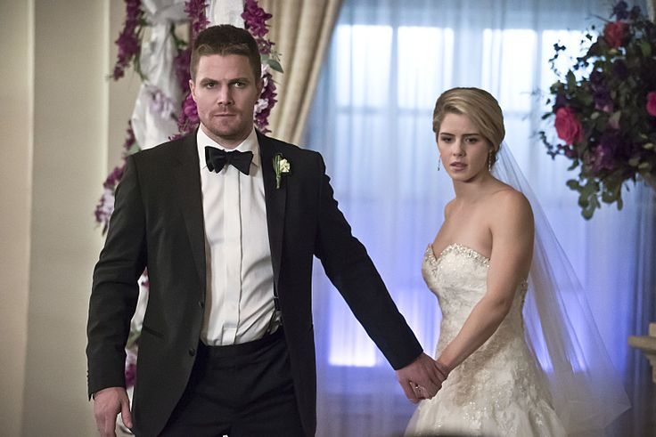 """Arrow preview pics of 4x16 """"Broken Hearts"""" Love this one! #Olicity"""