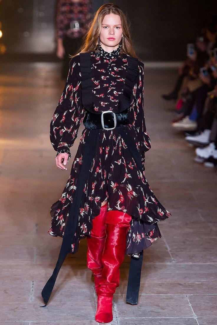 Schuhtrends Herbst Winter 2018 19 In 2019 Best Fashion Fashion How To Wear Und Isabel Marant