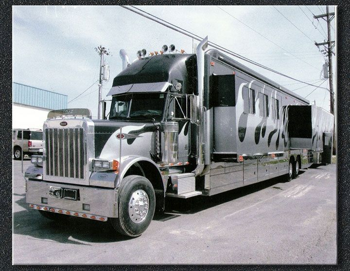 Cool semi trucks well that 39 s it for this dose of cool for Peterbilt motor coach for sale