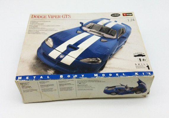 Dodge Viper GTS Metal Model Kit Testors Burago 1:24 Scale