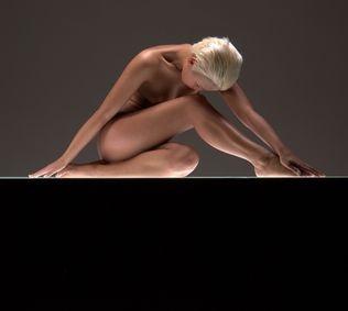 1x.com - Fine Art Nude