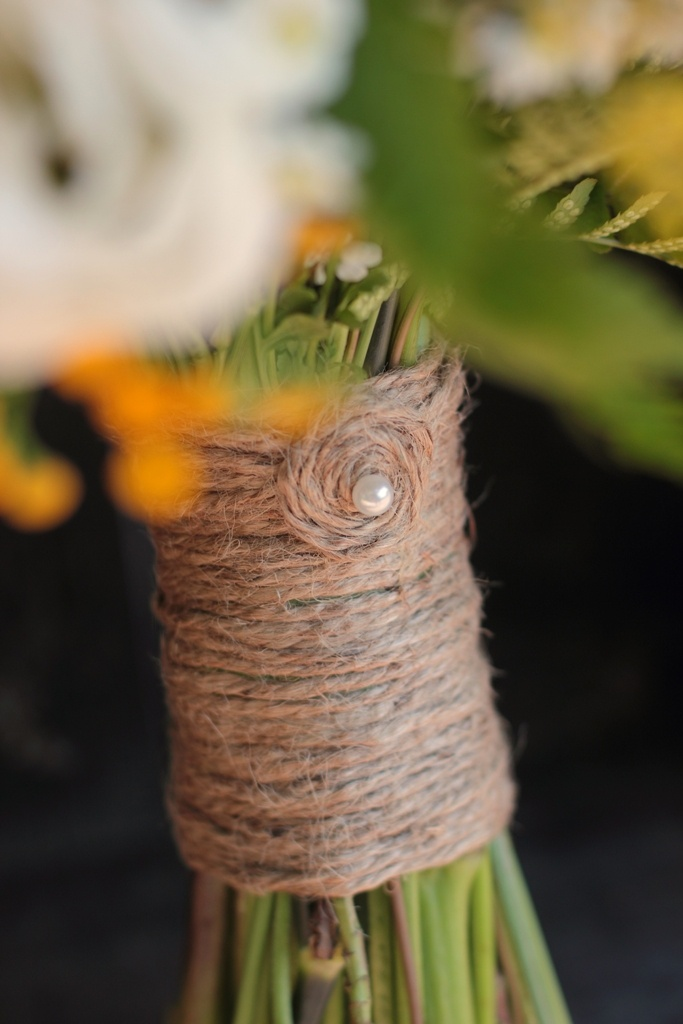 Twine bouquet wrap with sheet music underneath?