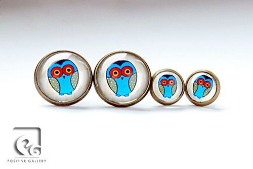 Owls. Graphic by POSITIVE GALLERY