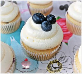 My Cupcakes and Cakes World: Blueberry Cupcakes
