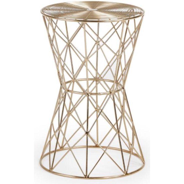 Nytt bord til jul?🎁 Småbord modell IONE💫 Du finner det i nettbutikken😊 www.mirame.no link i bio #spisestue #kjøkken #stue #gang #kaffebord #sidebord #julegavetips #julegave #jul #innredning #møbler #norskehjem #spisestue #mirame #pris  #interior #interiør #design #nordiskehjem #vakrehjem #nordiskdesign  #oslo #norge #norsk  #bilde #speilbilde #metall  #gull #bestselger #ione #småbord