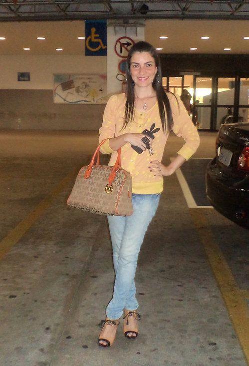 Shopping , Lucia Figueredo em Jeans, Miss Lolla em Cardigans, Michael Kors em Bolsas