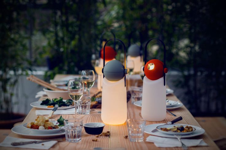 A Portable Lamp That Turns into a Flashlight