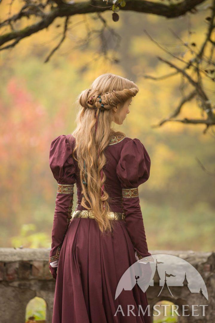 Princess In Exile Velvet Bodice In 2020 Medieval Princess Medieval Fashion Medieval Clothing