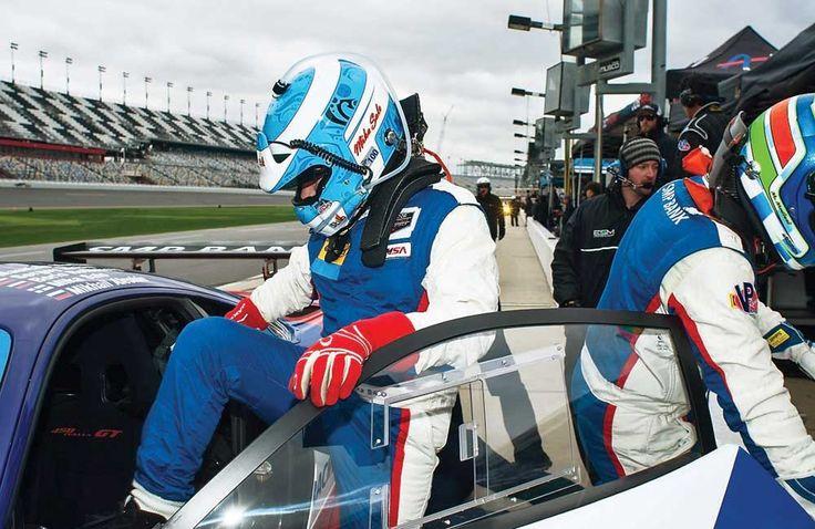 Мика Сало в последние годы не только сотрудничает с финским телевидением, но и работает консультантом молодых пилотов в команде SMP Racing, выступающей в чемпионате мира на выносливость. Нормальное занятие для формульного ветерана… Но вдруг выяснилось, что Мике придется тряхнуть стариной.