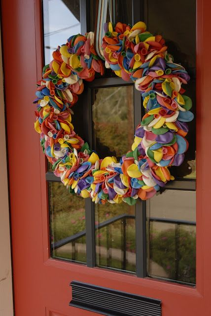 the third boob: diy: happy birthday balloon wreath tutorial