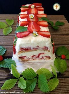 Tarta helada de fresas. Strawberry ice cake.