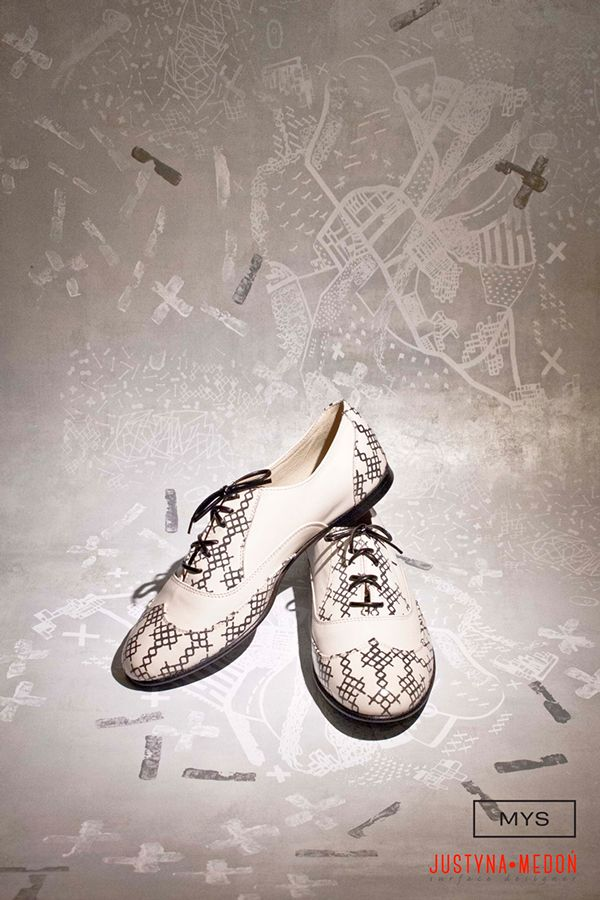 https://www.behance.net/gallery/23723183/Photographies-of-Justyna-Medon-MYS-project #hand screen printed leather #shoes #wallpaper
