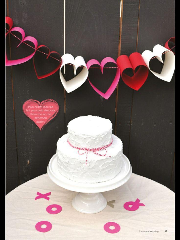 Sydännauha molly makes wedding helppo ja söpö. Lahjapöydän taakse?