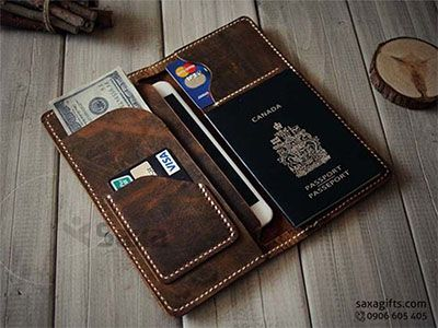 Ví passport da thật form dài, kiểu ví da đắp, may mép rất vintage – PP022 https://saxagifts.com/vi-passport-da-that-form-dai-kieu-vi-da-dap-may-mep-rat-vintage/