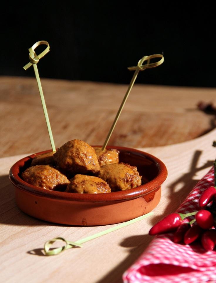 Thaise gehaktballetjes in rode currysaus. Recept is van Smulweb: http://www.smulweb.nl/recepten/974322/Vleesballetjes-in-rode-currysaus