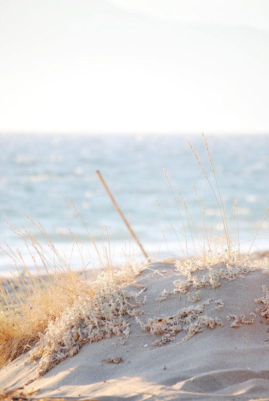 Le sable doux chauffé par les rayons du soleil apporte à notre corps l'apaisement qu'aucun médicament ne peut donner...