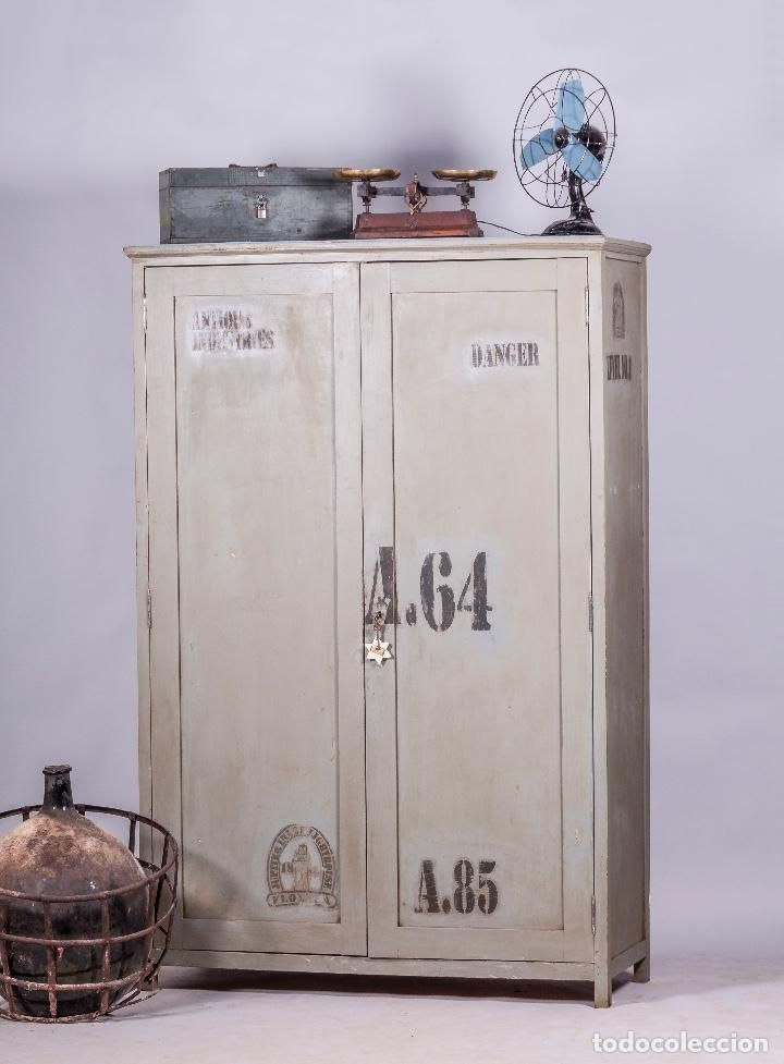 401 best coleccion muebles antiguos images on pinterest for Armario industrial vintage